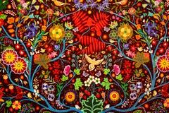 De kleurrijke met de hand gemaakte traditionele abstracte achtergrond van de dekenstof Stock Foto
