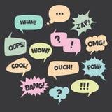 De kleurrijke reeks van de toespraakbel De in bellen van de pop-artbespreking in vlak ontwerp met korte berichten stock illustratie