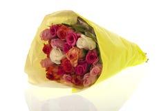 De kleurrijke rozen van het boeket stock fotografie