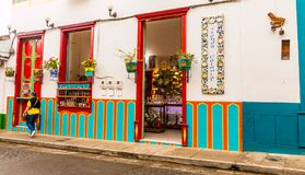 De kleurrijke schilderachtige stad van Jardin in Colombia stock fotografie