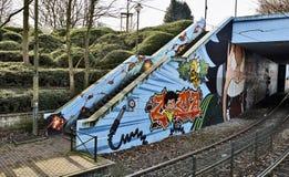 De kleurrijke stedelijke kunst van de graffitistraat Stock Foto's