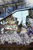 De kleurrijke stedelijke kunst van de graffitistraat Royalty-vrije Stock Foto's