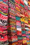 De kleurrijke stoffen van Af:drukken Stock Foto's