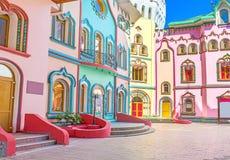 De kleurrijke straat van Izmailovsky het Kremlin stock fotografie