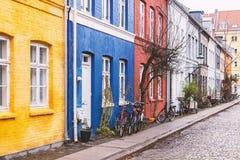 De kleurrijke straat van Kopenhagen royalty-vrije stock foto's