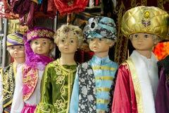 De kleurrijke Sultan of Sjeik Costumes van het Midden-Oosten royalty-vrije stock foto