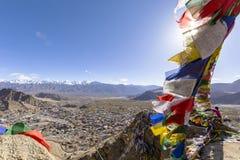 De kleurrijke tibetan gebedvlaggen in Leh, Ladakh, India Royalty-vrije Stock Afbeeldingen