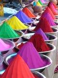 De kleurstoffen van de kleur in markt Royalty-vrije Stock Afbeeldingen