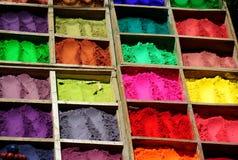 De kleurstoffen van het poeder, Nepal. Stock Foto's