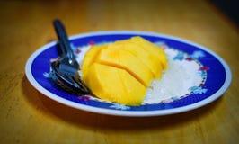 De kleverige rijst van de mango Stock Foto's