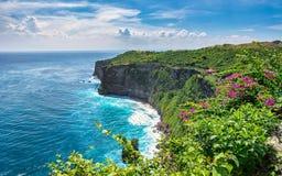 De klip van de Uluwatutempel - Bali Stock Fotografie