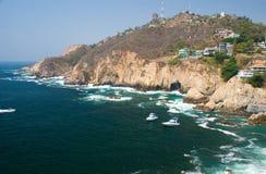 De Klippen van Acapulco Stock Afbeeldingen