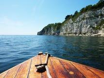 De Klippen van de boot en van Devon Stock Fotografie
