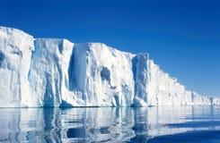 De Klippen van het ijs van Vanderford Galcier Stock Afbeeldingen
