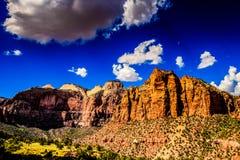 De Klippen van het zandsteen van Zion Nationaal Park, Utah royalty-vrije stock foto