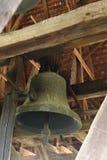 De klok in Axente scheidt Kerk in Frauendorf, Roemenië Royalty-vrije Stock Foto's