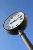 De klok van de straat Royalty-vrije Stock Afbeeldingen