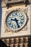 De klok van de toren van Gare DE Lyon - Parijs Stock Foto's