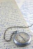De klok van de zak en oude brieven Royalty-vrije Stock Fotografie