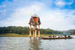 De klok van tempel onderwater Stock Foto's