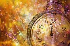 De klok van twaalf o ` - nieuwe jaar` s vooravond Stock Afbeelding