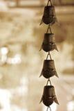De klokken van het messing bij een heiligdom Royalty-vrije Stock Foto