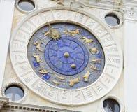De Klokketoren, architecturaal detail, Venetië Stock Afbeeldingen