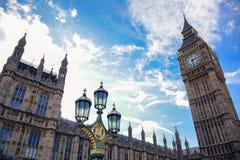 De klokketoren van Big Ben in Londen, Engeland royalty-vrije stock afbeeldingen