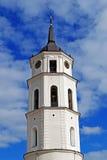 De klokketoren van de Kathedraal van Vilnius Royalty-vrije Stock Foto's