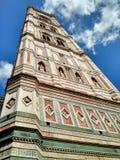 De klokketoren van Giotto dichtbij Duomo, Florence, Italië royalty-vrije stock foto
