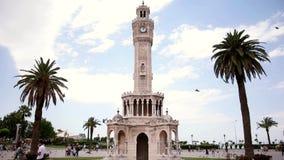 De klokketoren van het de stadscentrum van Izmir Turkije stock video