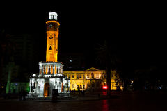 De klokketoren van Izmir bij nacht Stock Foto