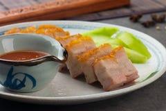 De knapperige Oosterse Buik van het Braadstukvarkensvlees met achtergrond Stock Foto
