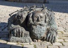 De Knielende Jood, een deel van Vienna's-Monument tegen Oorlog en Fascisme royalty-vrije stock foto's