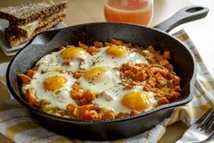 De Knoeiboel van Fried Eggs en van de Bataat Stock Fotografie