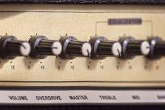 De knoppen van de gitaarversterker Stock Afbeeldingen