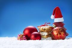 De koekjes en de decoratie van Kerstmis Royalty-vrije Stock Afbeeldingen