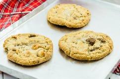 De koekjes van de chocoladeamandel Stock Afbeeldingen