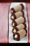 De koekjes van de hazelnoot met eierdrankroom Stock Foto's