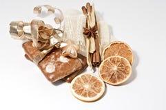 De koekjes van de peperkoek en oranje spaanders Royalty-vrije Stock Foto