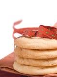 De koekjes van de suiker die in een lint worden verpakt Stock Foto