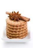De koekjes van de suiker met een anijsplant en een kaneel Stock Afbeelding
