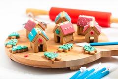 De Koekjes van de pastelkleurkerstmis van het vakantievoedsel DIY, Peperkoekhuizen, a royalty-vrije stock afbeelding