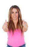 De koele vrouw kleedde zich in roze zeggend O.k. Royalty-vrije Stock Fotografie