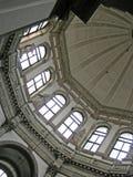 De koepel van de kerk binnen Stock Foto