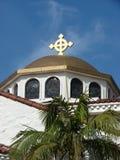 De Koepel van de kerk met Kruis Royalty-vrije Stock Afbeeldingen