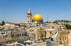 De koepel van de rots in Jeruzalem stock foto's