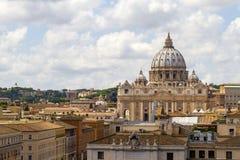 De koepel van heilige Peter de stad in van Rome, Vatikaan Stock Afbeelding