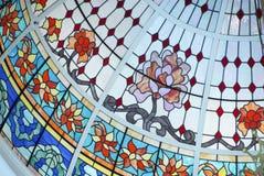 De Koepel van het plafond in Gebrandschilderd glas Stock Afbeeldingen