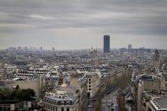 De koepel van Invalides & de Montparnasse-Toren Stock Foto's